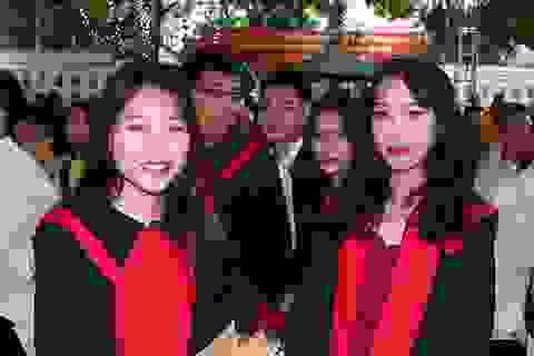 Lễ trao bằng tốt nghiệp trang nghiêm của thầy trò trường Nguyễn Bỉnh Khiêm