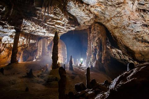 Phát hiện thêm 44 hang động mới tại Quảng Bình