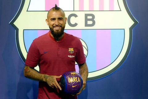 Ra mắt Barcelona, Vidal hạnh phúc khi được sát cánh cùng Messi