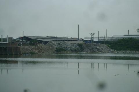 """Bài 2 - Nhiều hệ lụy từ những """"dòng sông chết"""""""