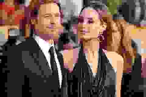 """Báo chí cũng """"mệt mỏi"""" vì… Angelina Jolie và Brad Pitt"""