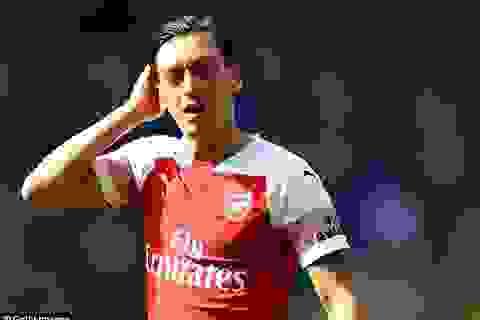Fenerbache muốn gây sốc với việc chiêu mộ Mesut Ozil