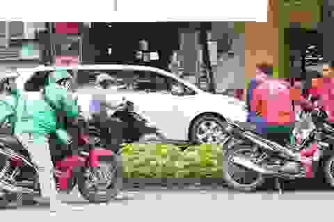 """Thị trường taxi công nghệ, cuộc đua đốt tiền của các """"đại gia"""" chịu chi"""