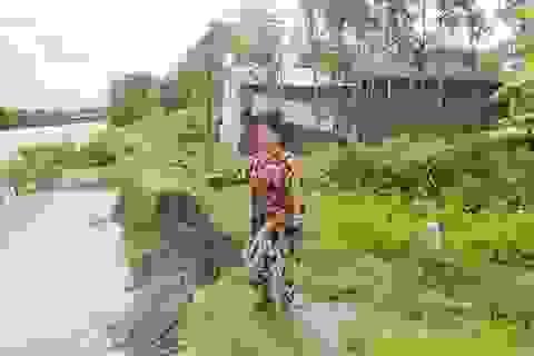 """Báo động tình trạng """"hà bá"""" ăn sông, nuốt nhà dân tại Sóc Trăng!"""