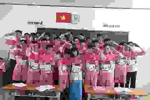 """Lớp học tại Vĩnh Long gây """"sốt mạng"""" với đồng phục Hello Kitty"""