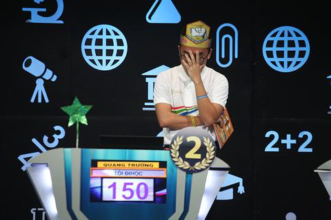 """Dấu cách """"xui xẻo"""" khiến Quang Trường mất 20 điểm quý giá ở trận Chung kết Olympia"""