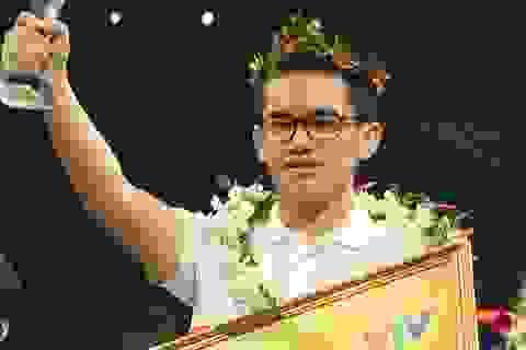 """Nhà vô địch Olympia Hoàng Cường """"sốc"""" khi Quang Trường tăng tốc quá nhanh"""