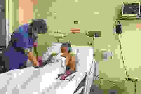 Nam thanh niên 24 tuổi bị đâm thấu tim được cứu sống
