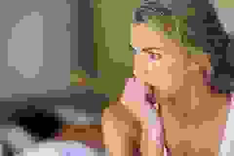 Chồng ngoại tình đã quay về, vợ vẫn trào dâng buồn tủi, oán trách
