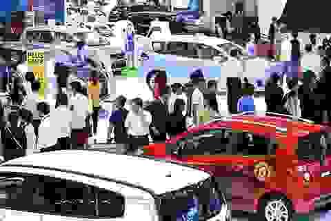"""Việt Nam """"bùng nổ"""" ô tô, gần 270. 000 xe hơi bán ra năm 2018"""