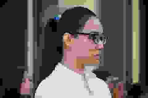 """""""Hoa hậu"""" ma túy Trần Kim Yến giả điên tại tòa"""
