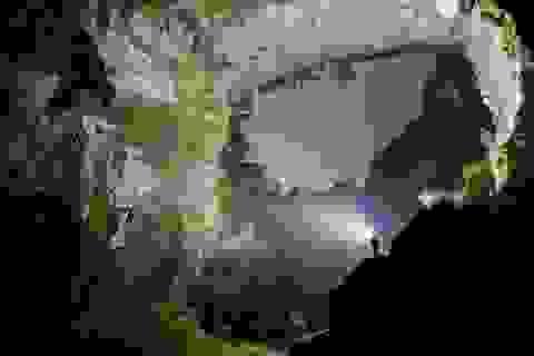 Quảng Bình: Tạm ngừng khai thác hang động lớn nhất thế giới