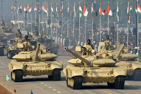 """Ấn Độ """"chi đậm"""" mua vũ khí bảo vệ biên giới sau căng thẳng với Trung Quốc"""