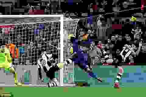 Barcelona 3-0 Levante: Messi và Suarez vô lê ghi bàn