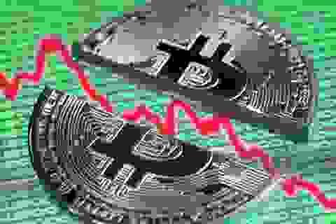 """Bitcoin mất hơn nửa giá trị, 1 ngày cả thị trường bị """"thổi bay"""" 30 tỷ USD"""