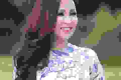 Ca sĩ Khánh Ly suýt gặp nguy hiểm khi chạy trên cầu treo