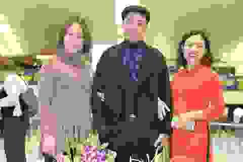 """NTK Đỗ Trịnh Hoài Nam mang """"hồn dân tộc"""" tới Tuần lễ thời trang Paris"""