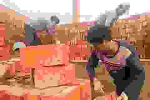 Trung Quốc: Trả nợ lương công nhân bằng... 290.000 viên gạch