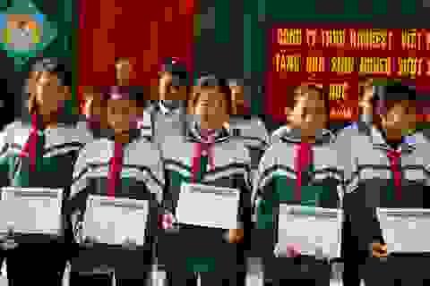 90 suất học bổng Grobest Việt Nam tiếp tục  đến với học sinh nghèo Xứ Nghệ