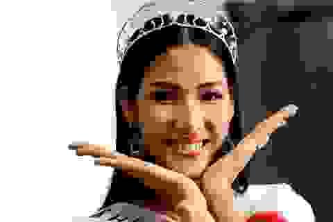 """Á hậu Hoàng Thùy tiết lộ lý do """"bỏ qua dư luận"""" để thi nhan sắc"""
