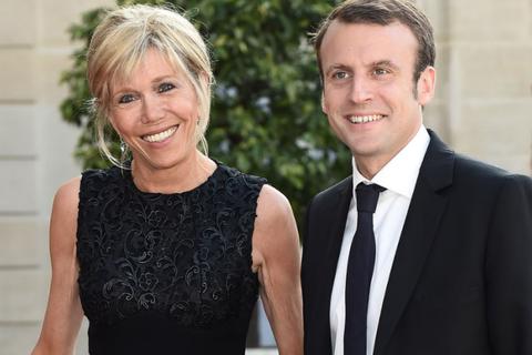 """Thuở mới yêu """"sóng gió"""" của Tổng thống Pháp và vợ hơn 24 tuổi"""