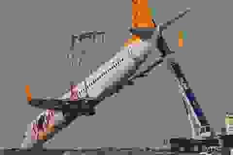 """Toàn cảnh cuộc giải cứu máy bay chở khách """"treo"""" vách đá"""