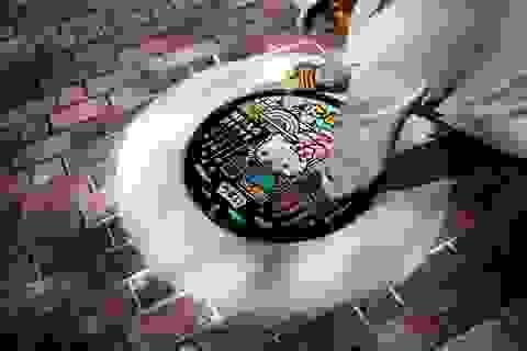 Những nắp cống đẹp cuốn hút trên đường phố Nhật Bản