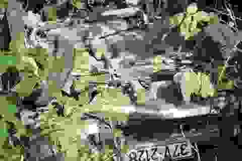Ô tô nổ lốp lao xuống vực, 5 người thoát chết thần kỳ