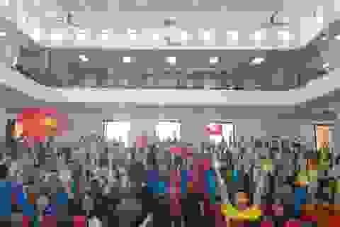 Nóng bừng hội trường, sinh viên nồng nhiệt cổ vũ đội bóng U23 Việt Nam - Qatar