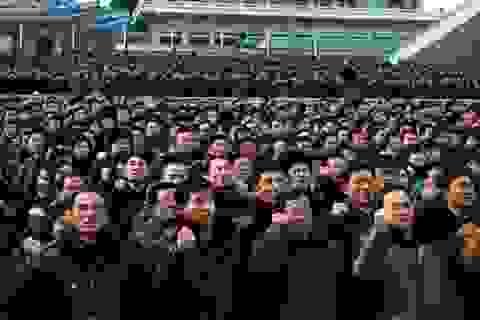 Người Triều Tiên tuần hành ủng hộ ông Kim Jong-un
