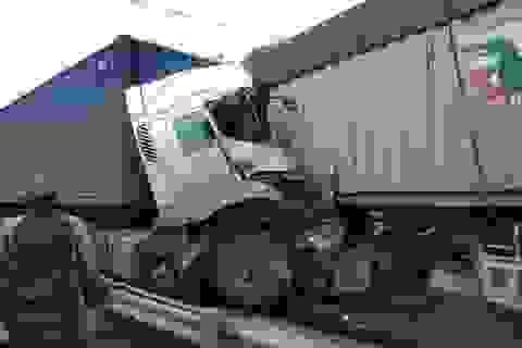 Cùng ngày, 3 người tử vong trong 2 vụ tai nạn đều liên quan đến container