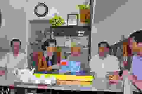 Chủ tịch QH Nguyễn Thị Kim Ngân tặng quà tết gia đình chính sách, người nghèo