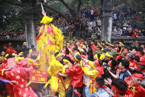 Bộ Văn hoá yêu cầu không lợi dụng lễ hội để trục lợi