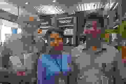 Hành khách Úc may mắn nhận lại 350 triệu đồng bỏ quên ở sân bay Tân Sơn Nhất