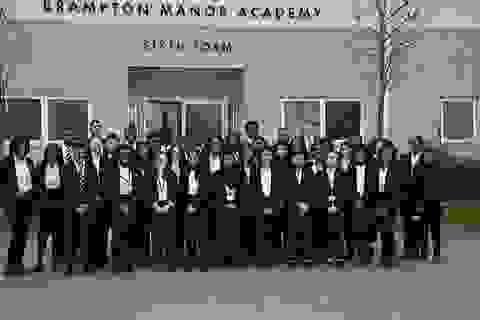 Ngôi trường nơi nghèo nhất London có 41 học sinh trúng tuyển ĐH Oxford và Cambridge