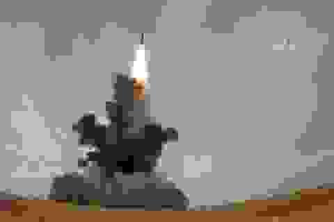 """Trung Quốc công bố video thử tên lửa """"nắn gân"""" Mỹ"""