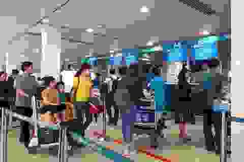 """Sân bay Tân Sơn Nhất """"dễ thở"""" ngày 26 Tết"""