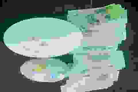 Bắt 21 đối tượng đánh bạc, thu giữ gần 100 triệu đồng