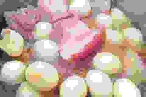 """Thịt heo vẫn rất """"hút hàng"""" trong ngày cận Tết dù giá tăng nhẹ"""