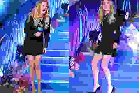 Amber Heard gợi cảm với váy đen ôm sát