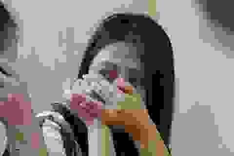 Nước mắt trên mâm cơm ngày Tết ở trại giam