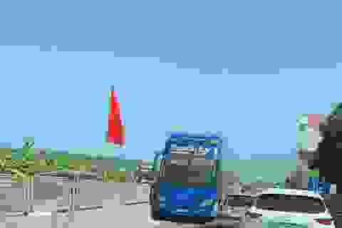 Tước giấy phép tài xế xe khách chạy ngược chiều trên quốc lộ