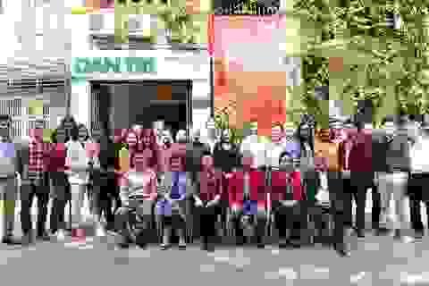 Chủ tịch Hội Khuyến học Việt Nam làm việc với báo Dân trí ngày đầu Xuân mới