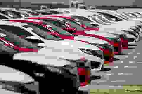Đua nhau giảm giá, cơ hội của người tiêu dùng ô tô