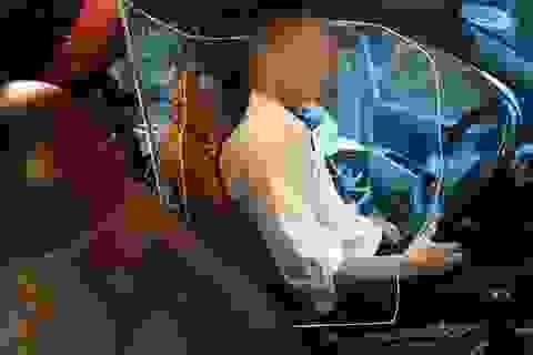 Cục Đăng kiểm nói gì về việc xe taxi lắp khoang chắn bảo vệ tài xế?