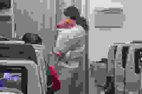 """Cách cư xử đầy văn minh của người mẹ trẻ khiến dân mạng """"ngả mũ"""" thán phục"""