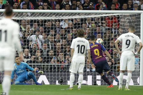 Real Madrid 0-3 Barcelona: Người hùng Luis Suarez