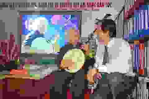 """Đề nghị xét tặng danh hiệu """"Nghệ nhân Nhân dân"""" cho Nhạc sư Nguyễn Vĩnh Bảo"""
