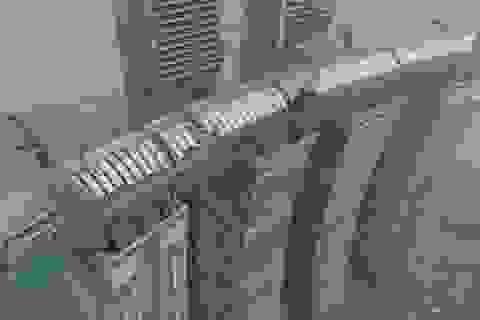 """Kỳ lạ: """"Tòa nhà chọc trời"""" nằm ngang ở độ cao 250m"""