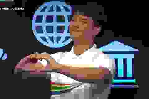 """""""Hot boy Rubik"""" Xuân Phương tiếp tục chiến thắng, giành vé vào thi Quý 2 Olympia"""